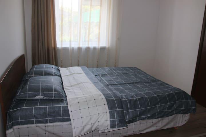 sleepingroom 1 / спальня 1