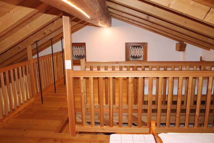 Caratteristico fienile di montagna - Arcesaz - Apartamento