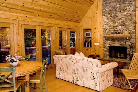 Ruby - A Quiet Splendor Mountain Cabin for 6 - Tiger