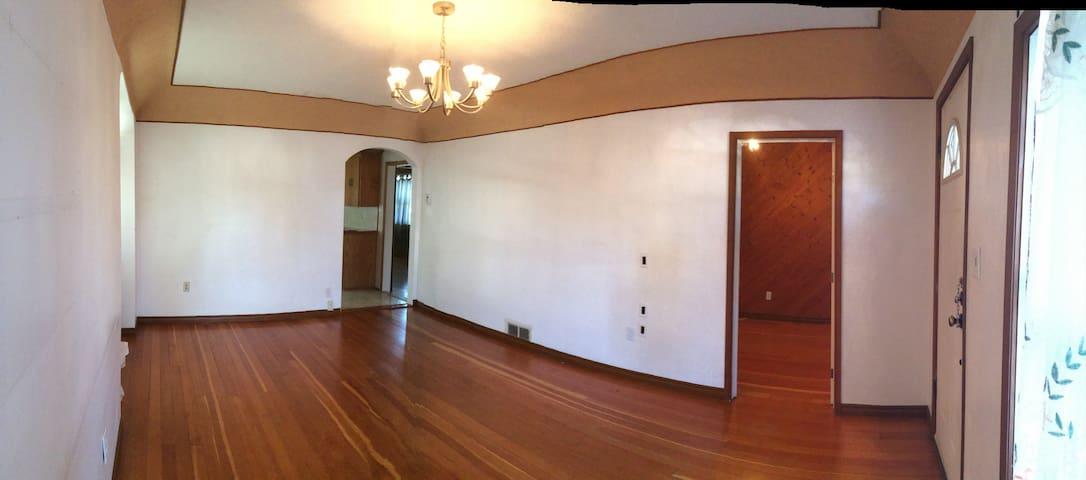 Vancouver BC 7-bedroom house - Kansas City - Huoneisto