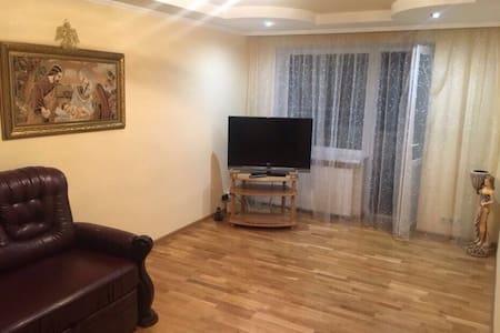 Современная, комфортная квартира в центре Моршына