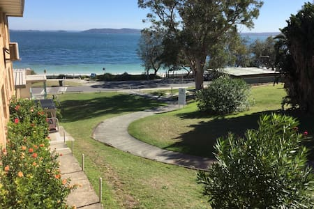 Paradise on the beach - only 10 min walk to centre - Nelson Bay - Byt