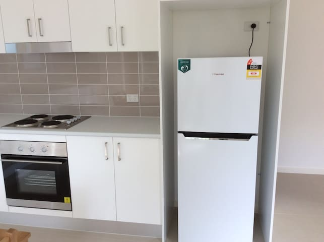 New granny flat in quiet garden, near transport. - Epping - Jiné