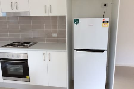 New granny flat in quiet garden, near transport. - 埃潘 (Epping) - 其它
