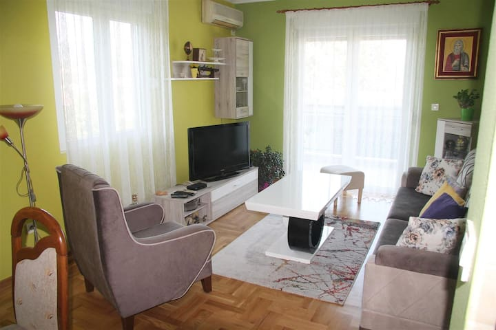 Comfortable 2  bedroom apartment in a quiet place