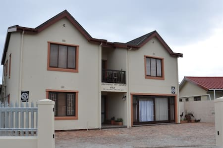 Hermanus AT HOME Single Room - Hermanus - Bed & Breakfast