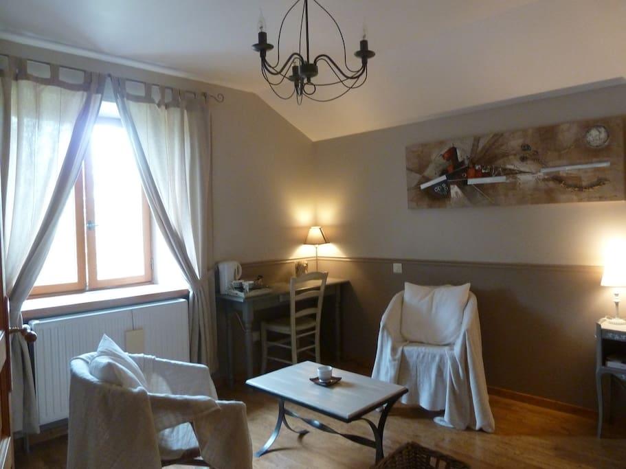 Grandes chambres avec salle de bain privative houses for for Salle de bain translation