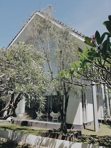 Cosy House in Ciwaruga, Bandung