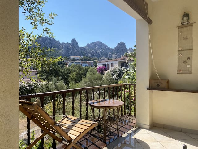 "Cosy Apartment ""San Pantaleo - Bilo C"" with Terrace, Mountain View, Air Conditioning & Wi-Fi; Parking Available"