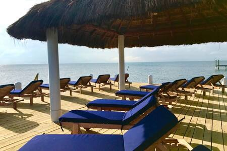 Best Property on Caye Caulker, private beach, dock, pool, free wifi, AC, #4
