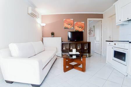 Kalliopi's apartment