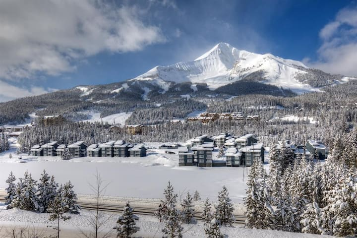 Lone Peak Luxury,Just Across from Base area, Views
