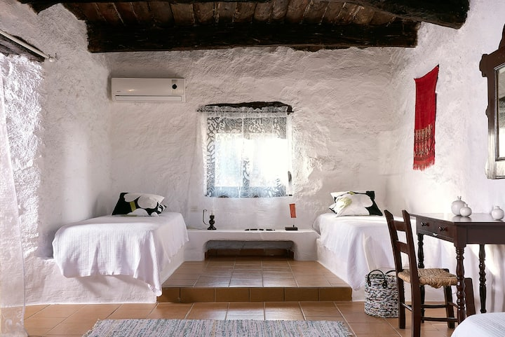 Aloni, Traditional home with a view, 4-5persons