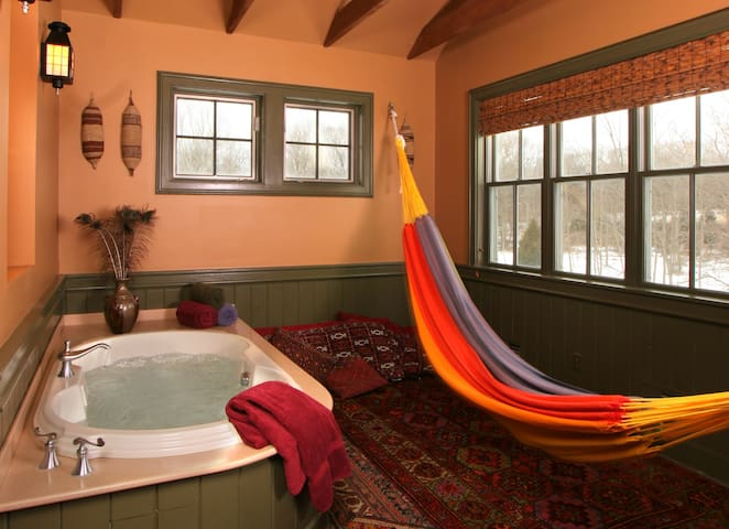 Two-story Luxury Cottage near New Hope and Lambertville