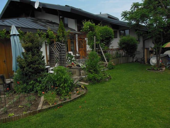 Ferienwohnung mit idyllischer Gartennutzung