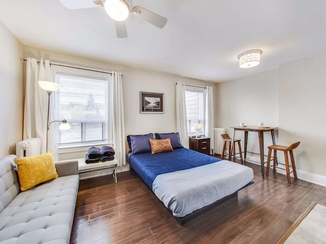Toronto Studio Apt at Danforth Woodbine East York