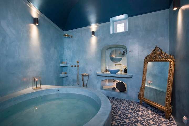 Dimael Mansion Blue Superior Suite