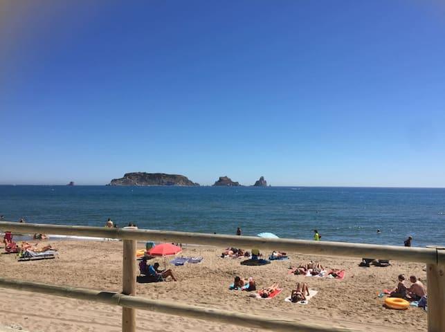 Estartit frente al mar - Els Griells - Apto. en complejo residencial