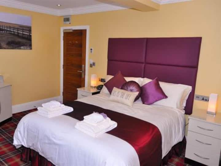 Double Room Deluxe at The Somerset House Hotel