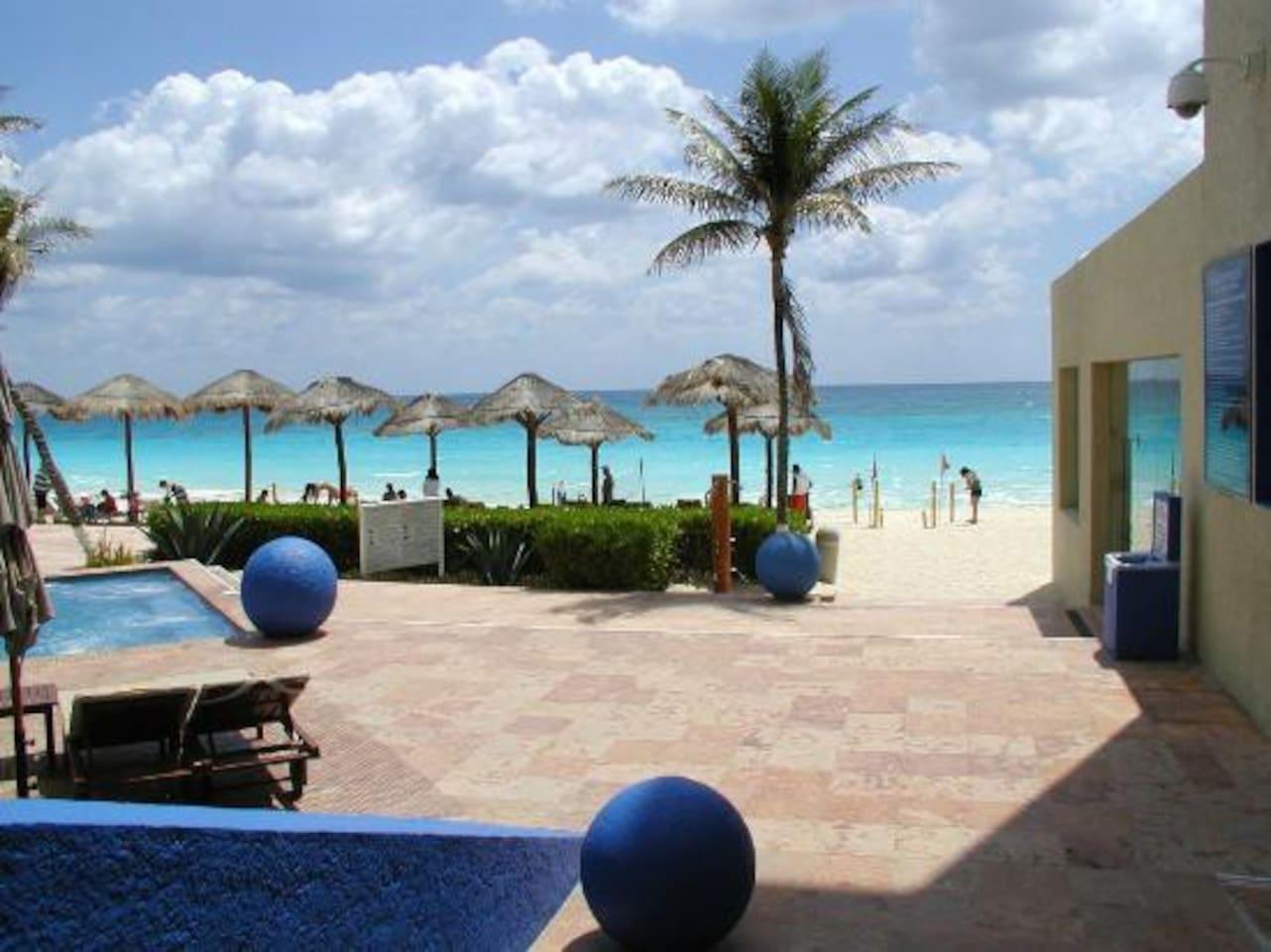Tu habitacion al pie del mar caribe!