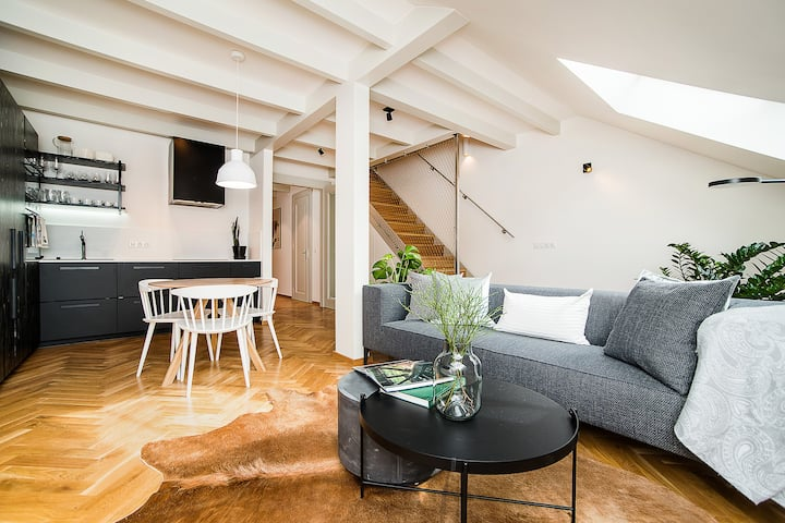 Luxurious two-bedroom in the Old Town