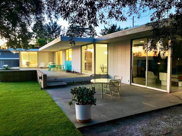 1964 Daic home 2.        Vintage Mid century home