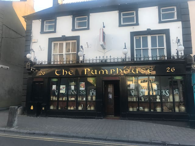The Pumphouse Pub and  Accommodation