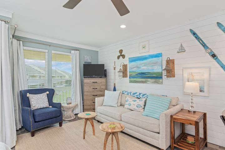 Sandpiper 8233, Beautifully Remodeled Studio! Free Golf and Big Kahuna!