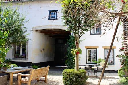 De-Cour Anna Maastricht-Heuvelland - Gronsveld