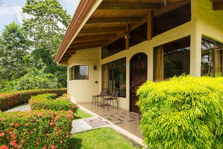 Deluxe Room - Arenal Volcano Inn - Bed & Breakfast