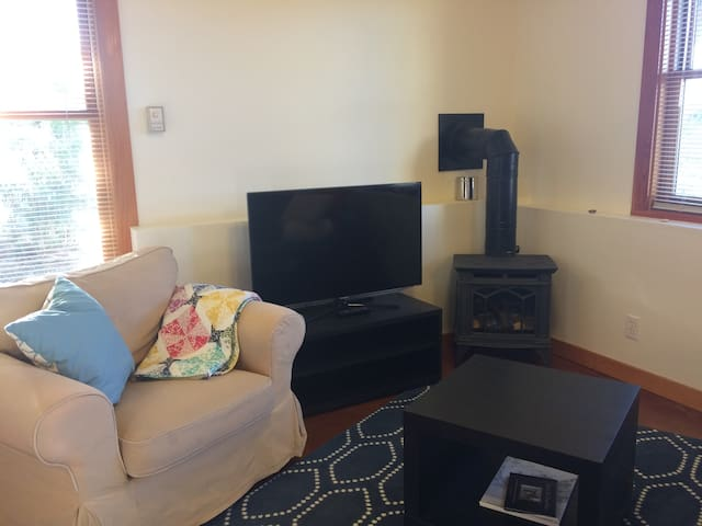 Cozy Fairhaven Apartment - Bellingham - Apartamento