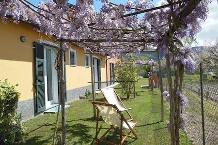 Bilocale nel verde vicino al mare - Villanova d'Albenga - 公寓