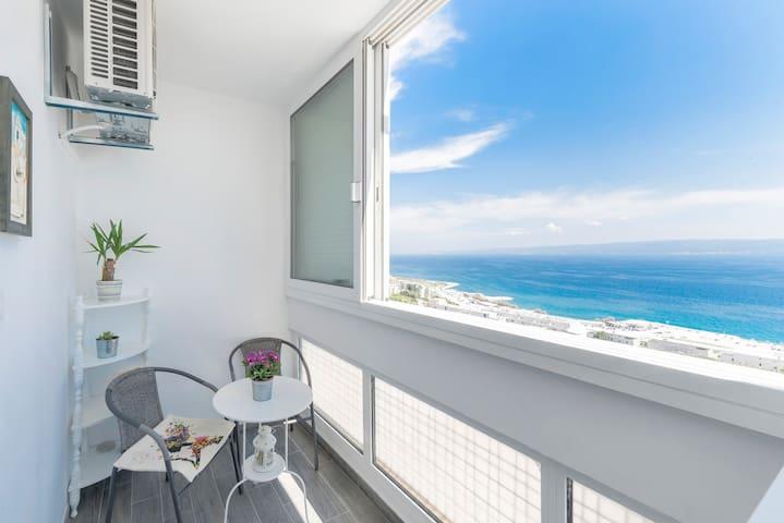 "FM Apartments Split-studio ""Frankie"" with SEA VIEW"
