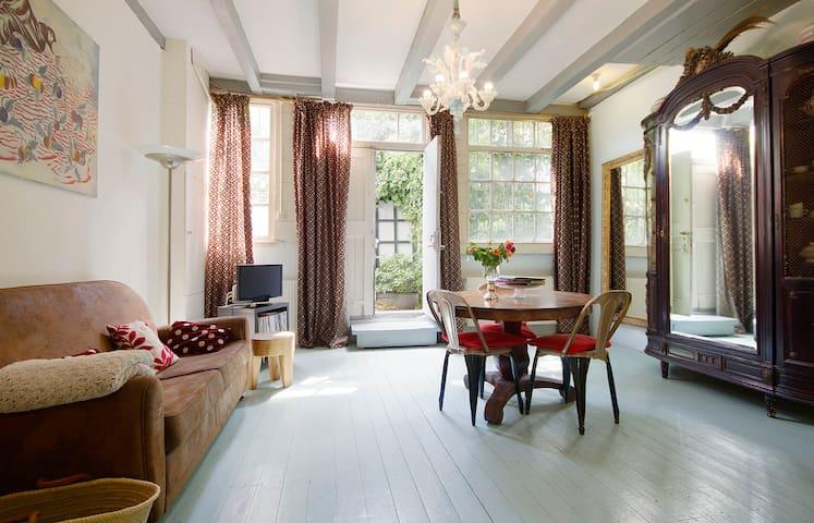 Cosy garden apartment in Jordaan neighborhood