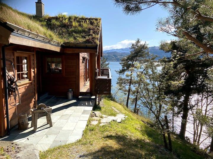 Stort og eksklusivt feriehus i Hardangerfjorden