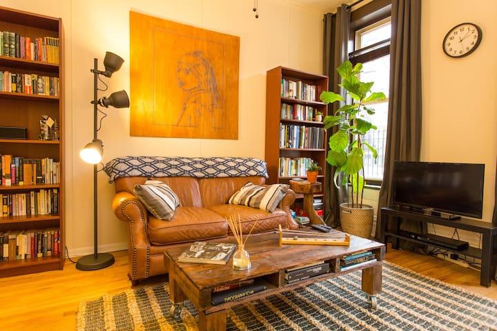 Quiet Wicker Park gem: private parking + CTA - Apartments for Rent ...