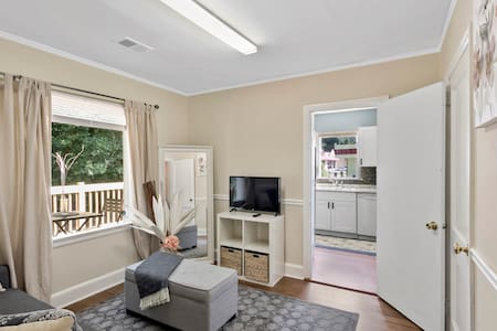 Charming Extremely Central Duplex