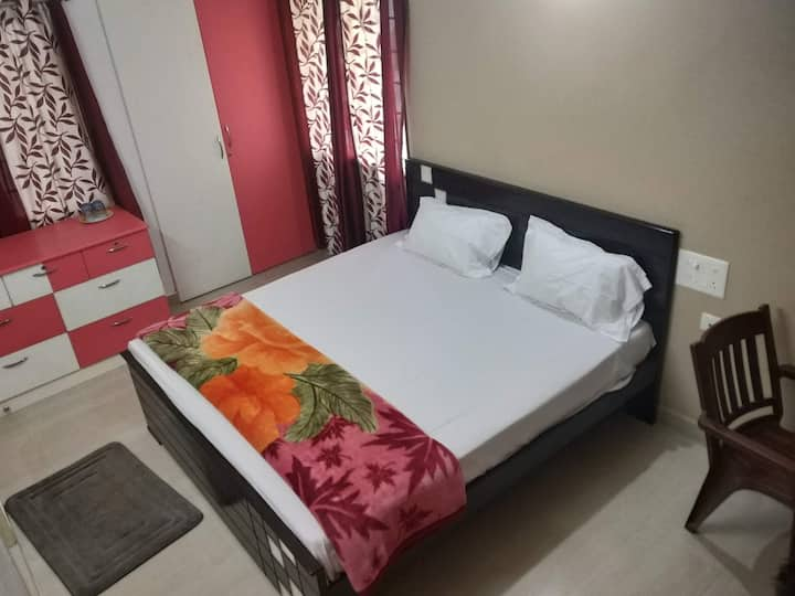 Near Airport/All house hold amenities/Long stay- 1