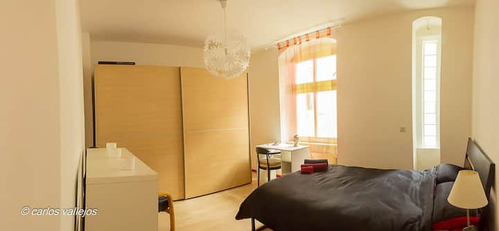 Red Suite in the Heart of Prenzlauerberg