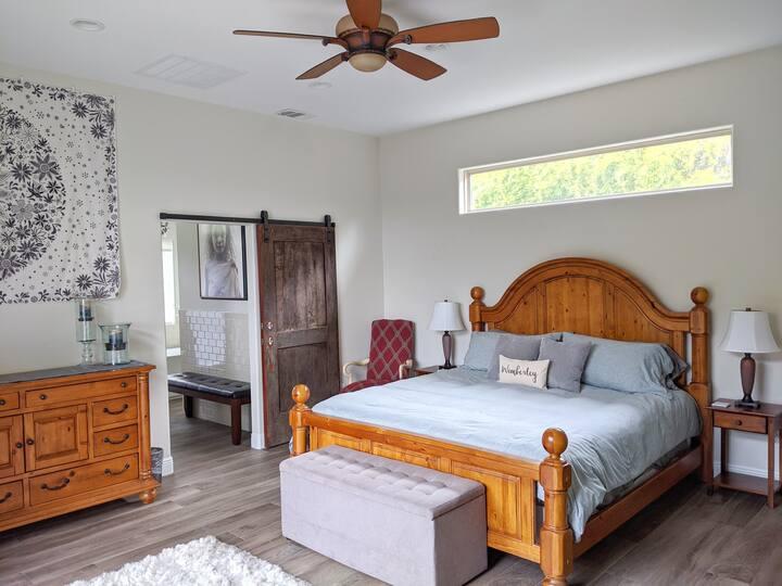 Summer Hills Suite