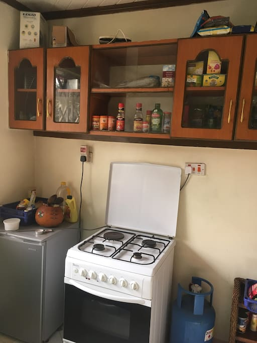 Spacious kitchen with an extra fridge. Possible to bake