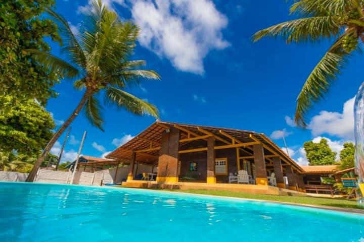 Casa Beira-Mar com Piscina, Pé na Areia em Ipioca