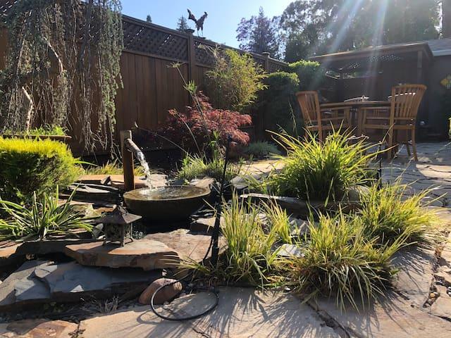 Single home in the Fruitvale. Heavenly backyard.