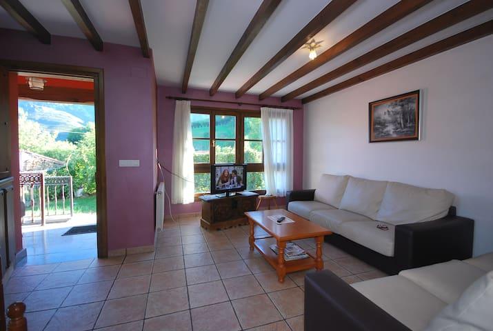 Casa Rural en Cabrales, vistas a Picos de Europa - Астуриас - Дом