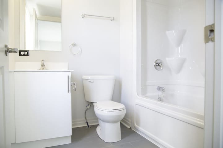 Clean Private Room with a private bathroom 50% off