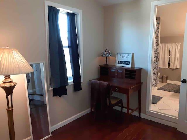 Waynesboro-  Private Room And Bath 5 miles to AMC