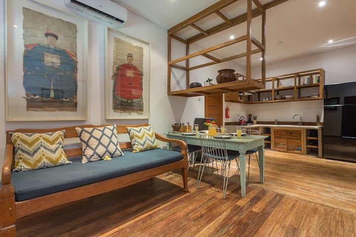 TEMPEL HOUSE, 2BR Surf Home, Heart of Uluwatu