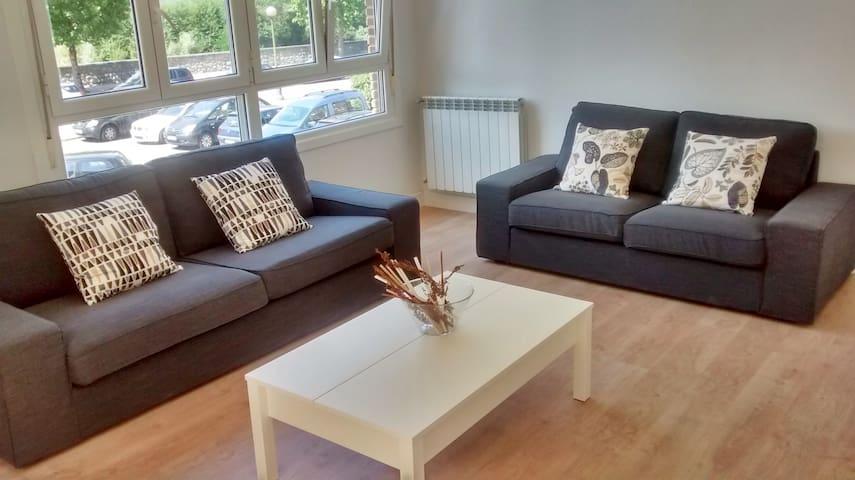 Apartment 6-8 places WI FI+Parking