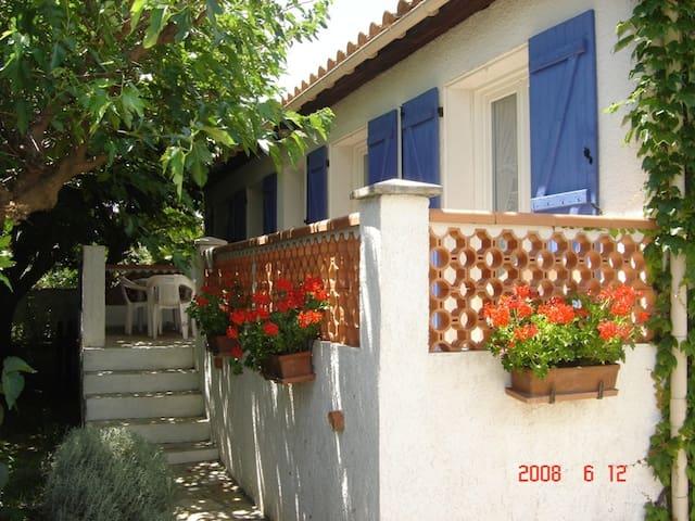 villa dans lotissement calme - Ginestas - Dom