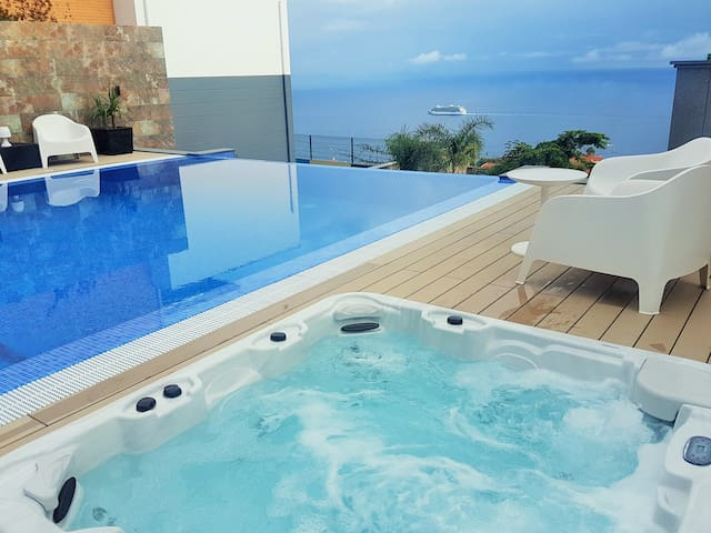 Villa Islands View-Studio S, with Jacuzzi and Pool